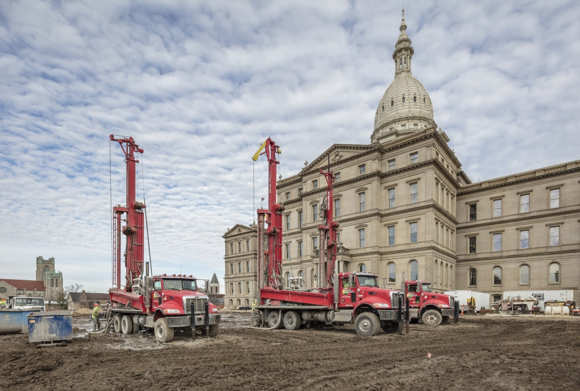 Construction site of Michigan State Capitol to install central utility plant