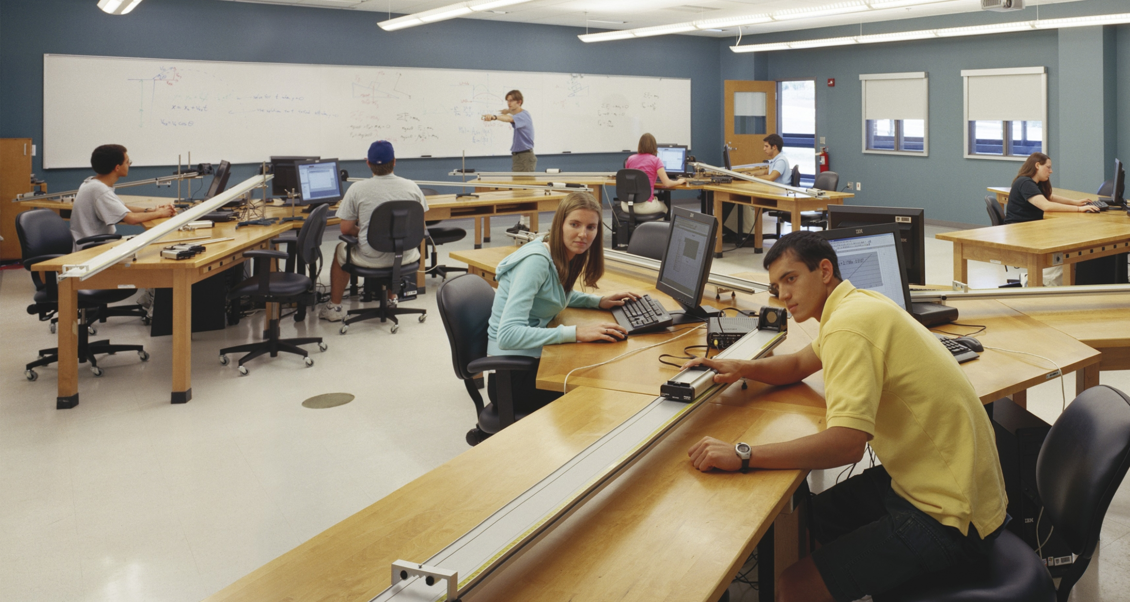 Students working in a lab in Gottwald Science Center