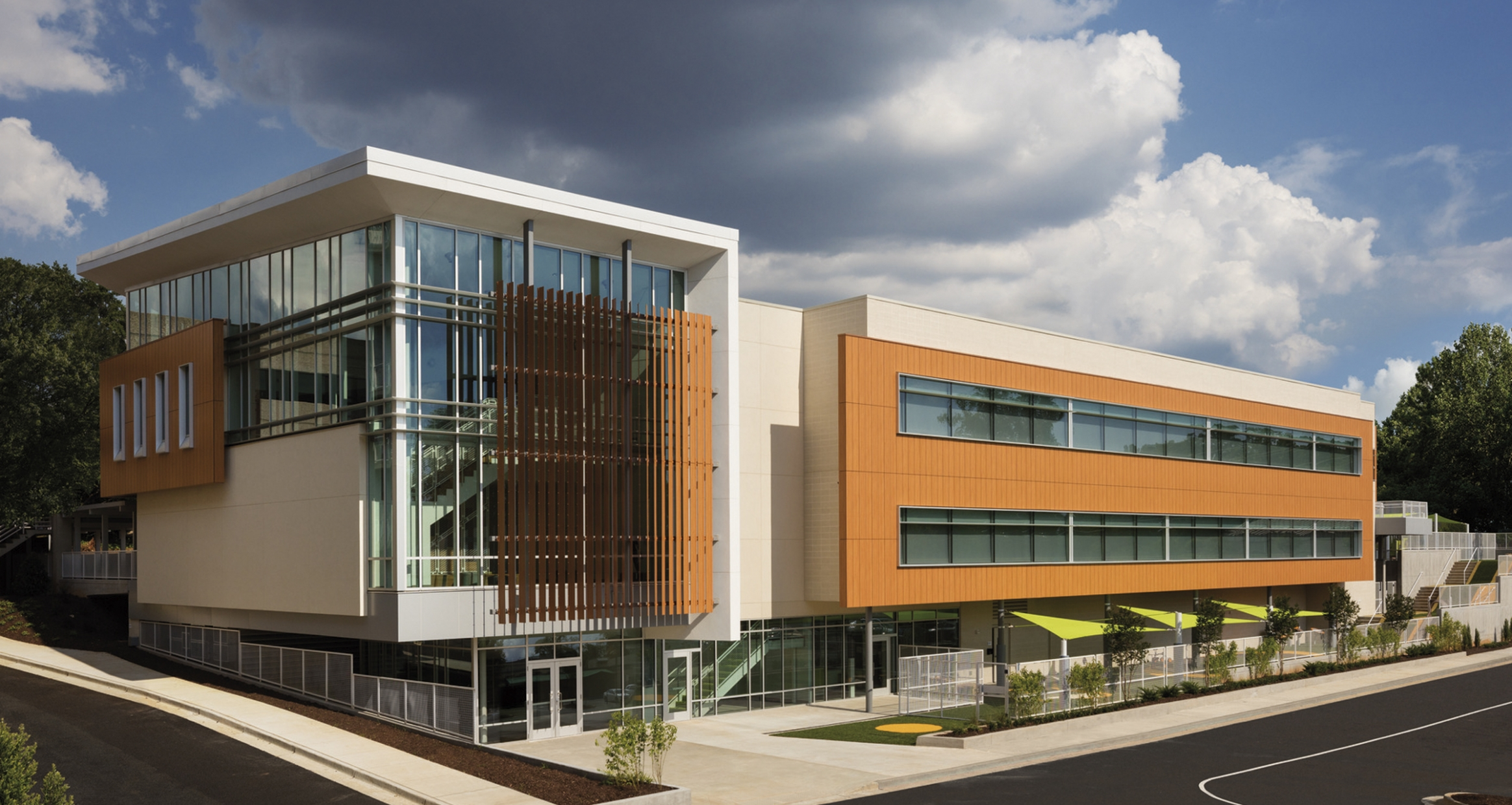 The learning academy at wellstar kennestone hospital eyp exterior view publicscrutiny Images