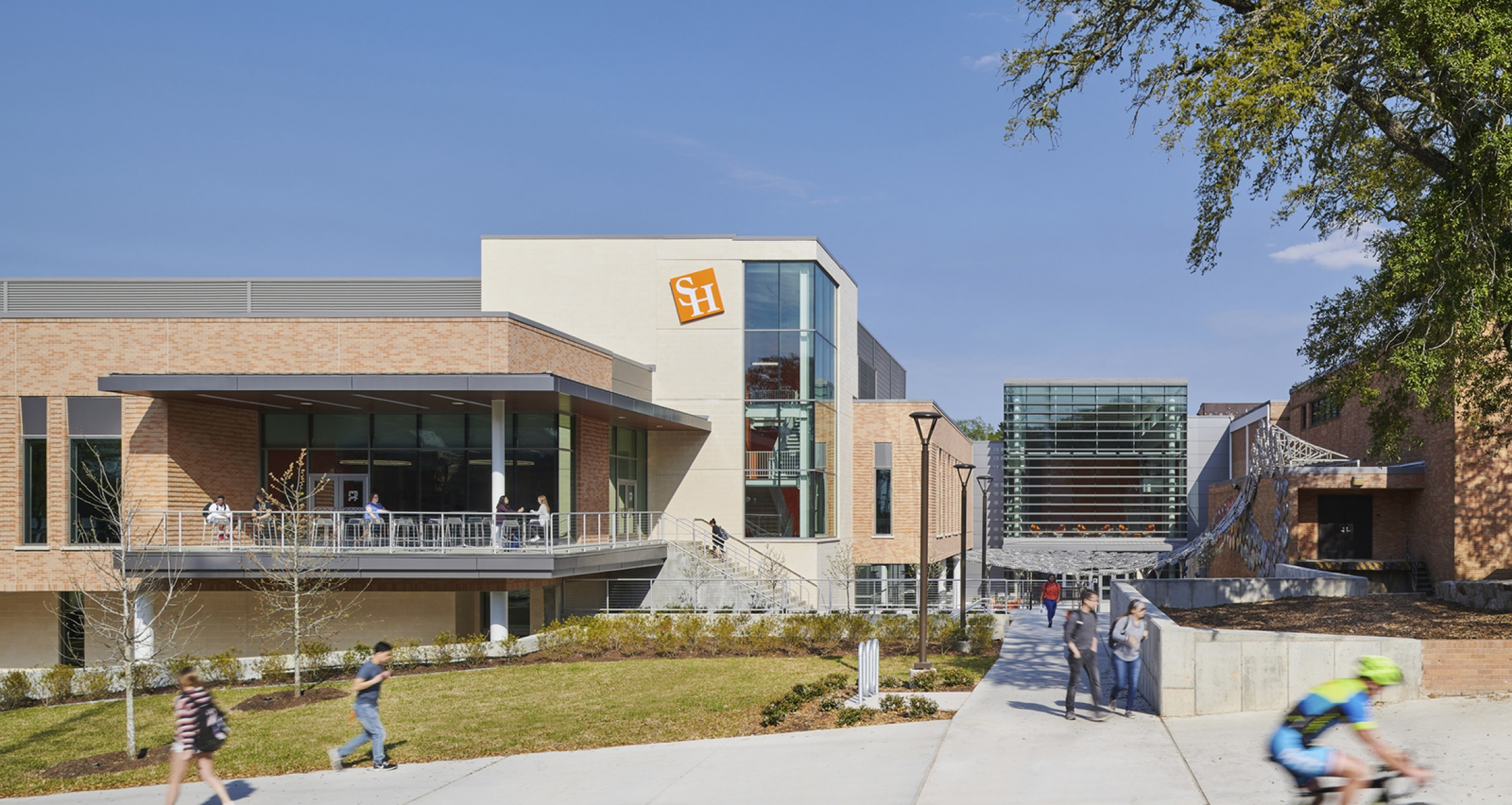 Exterior image of the Lowman Student Center addition